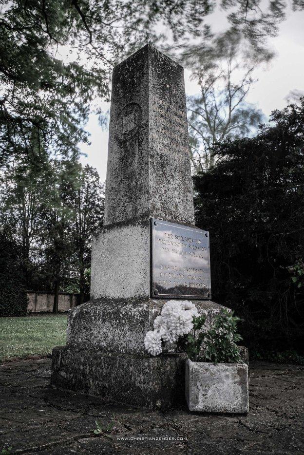 obelisk friedhof 2 serie -6282